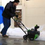 Аккумуляторные снегоуборщики: за или против?