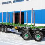 Новтрак выпустил первый в России лесовозный 5-осный прицеп