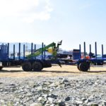 Российский завод выпустил автопоезд с КМУ на шасси КамАЗ